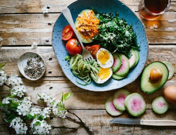 avocado spinach and zucchini salad