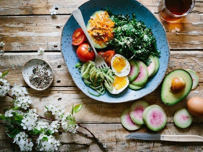 avocado spinach and zucchini salad